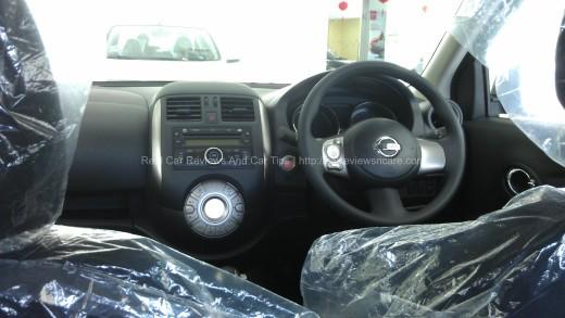 Nissan Almera Dashboard