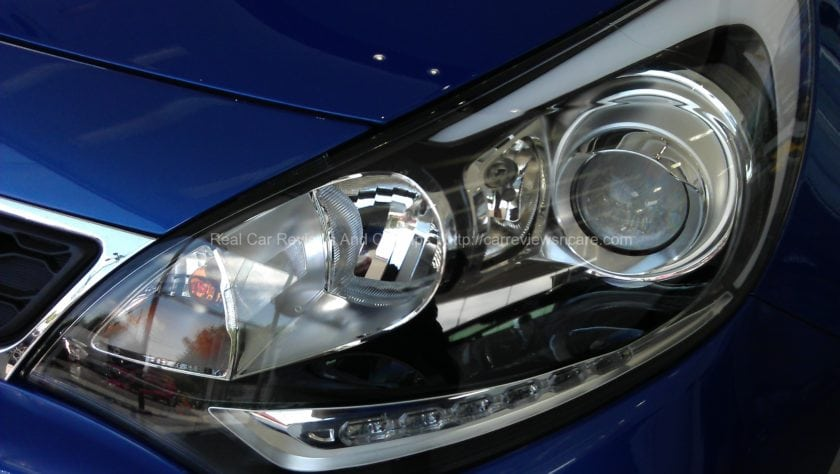 Stylish Rio Projector Headlamp with HID, Auto-Levelling and DLR light