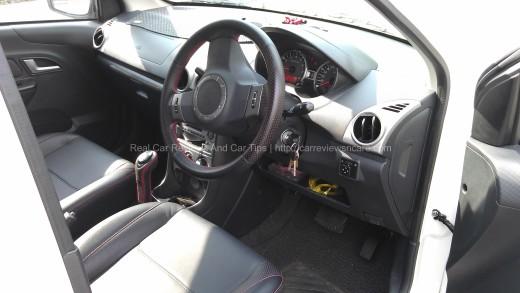 Saga FLX 1.6 SE Interior Dashboard