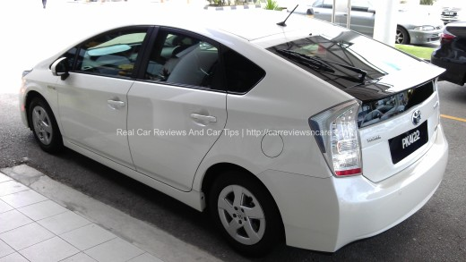 Toyota Prius Luxury Side View
