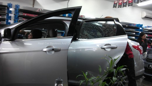 Ford Focus Titanium 2.0 in Car Window Tints Process