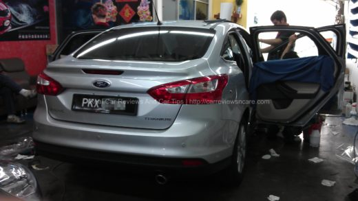 Ford Focus Titanium 2.0 in Car Window Tinting Process