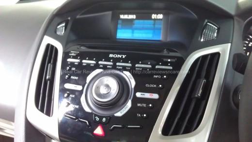Ford Focus 2.0L Titanium Control Panel