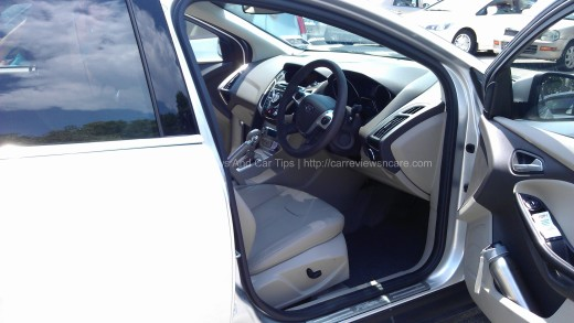 Ford Focus 2.0L Titanium Driver Seat with Heating Function and Driver Power Seat Adjust 6 Way