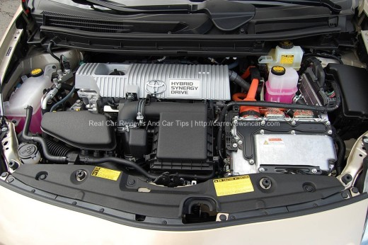 Toyota Prius Luxury Engine Bay