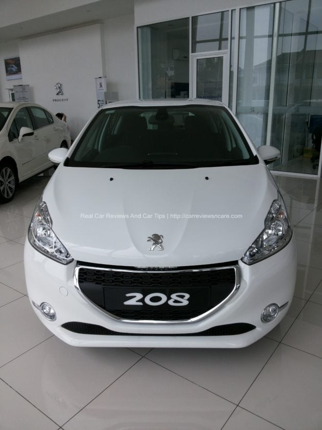 Peugeot 208 Front View