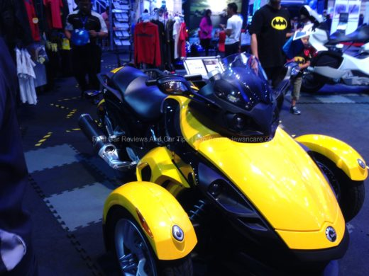 CAN-AM Spyder RS Roadster Yellow