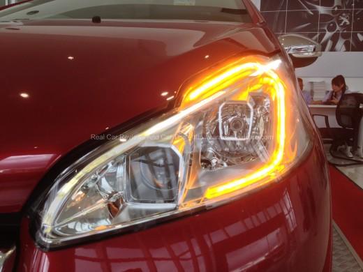 Peugeot 208 GTi Stylish Signature Light Indicator