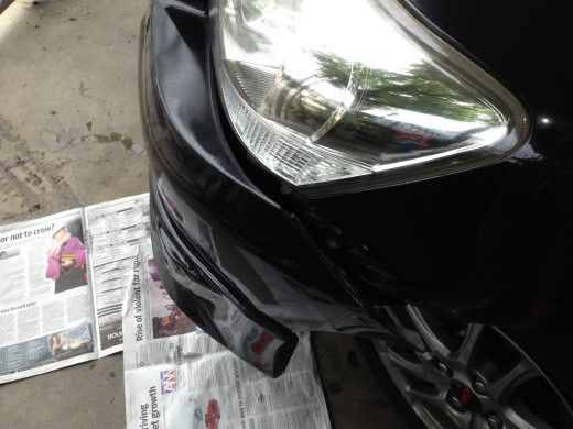 Loose the Toyota Vios front bumper
