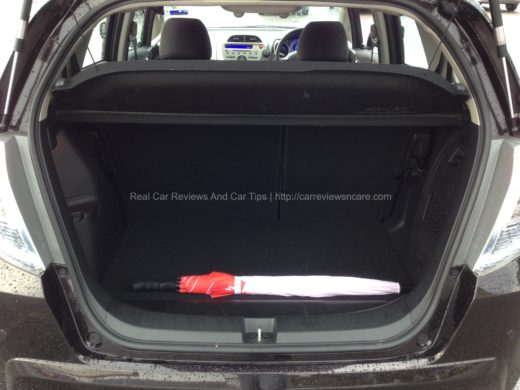 Honda Jazz Hybrid 1.3 CKD back bonet