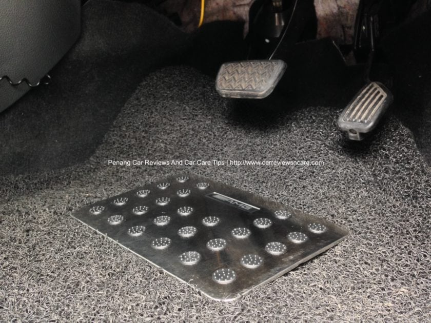 Metal Heel Pad on automotive carpet mat Toyota Vios