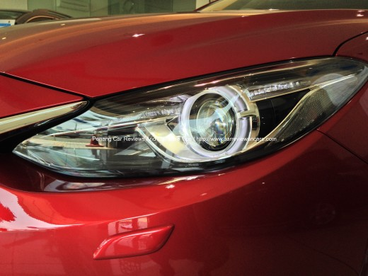 2014 Skyactive Mazda 3 Projector Headlamp with AFS feature