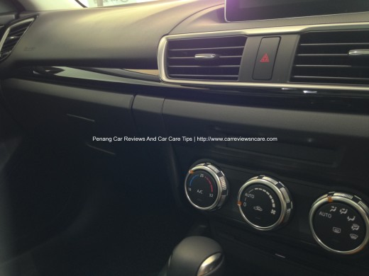 2014 Skyactiv Mazda 3 2.0L Dual automatic Air Conditioner