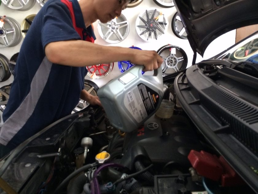 Refilling Engine Oil into Toyota Vios Engine
