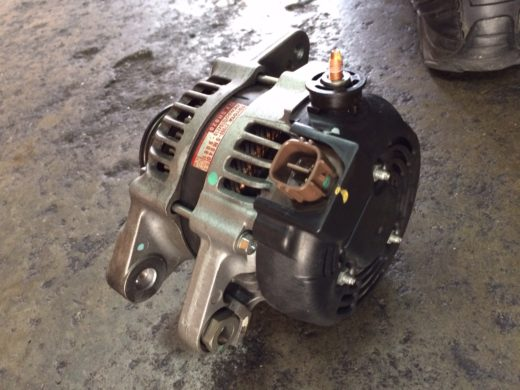 Toyota 27060-0M040 Alternator