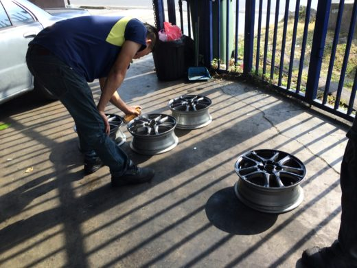 Spraying the Colorful Rubber Paint Film on the TRD Wheel 2