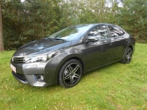 Corolla Altis 1.6 CVT Lounge 2015 with 18 inch Brock Wheels