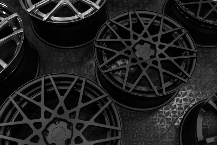 rotiform-blq-painting-wheels